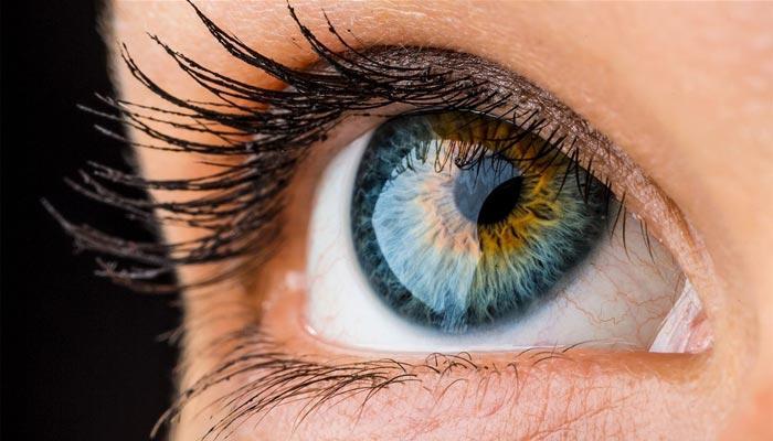 Как цвет глаз влияет на наше настроение?