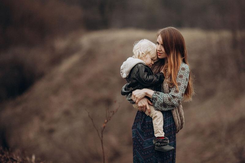 Почему в последние годы стало так много матерей-одиночек?