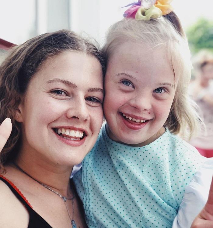 Как сегодня живет Дарья Легейда, которая помогает нуждающимся детям и бездомным животным.