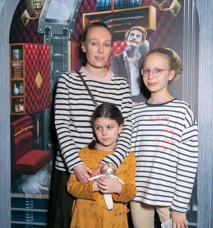 Ольга Ломоносова: Ее первой любовью стал Машков, но она вышла замуж за Сафонова и родила троих детишек.