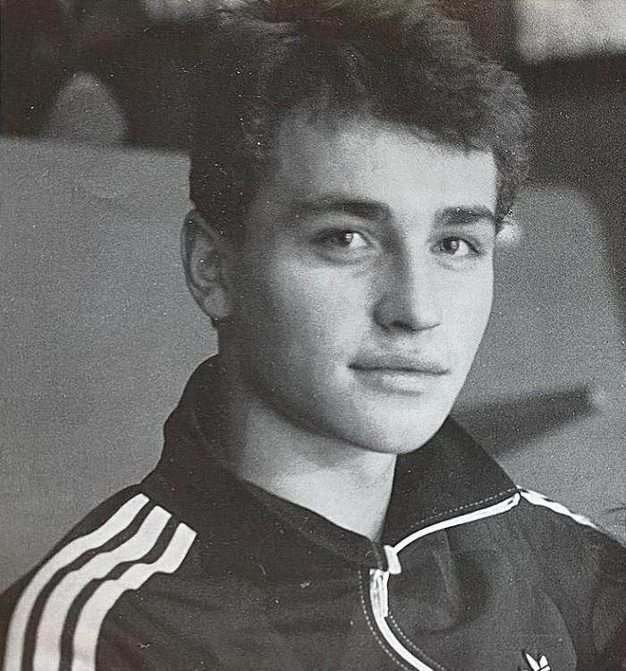 Почему вандалы 2 раза грабили могилу фигуриста Сергея Гринькова, которого в 28 лет сгубил инфаркт