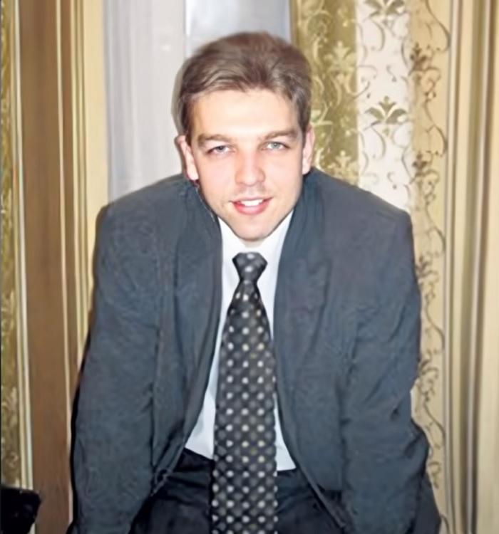 Кем является внебрачный сын Владимира Меньшова, который претендует на наследство актера