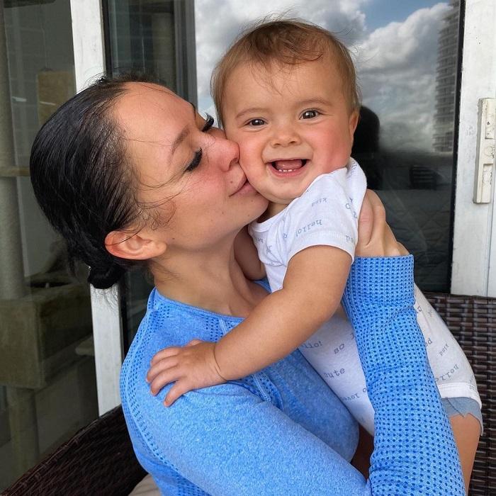 """Участница """"Холостяка"""" Татьяна Челышева показала ребенка, которого родила от Алексея Воробьева"""