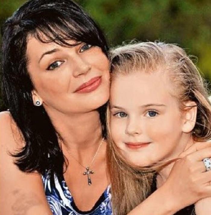 Дочь Александра Абдулова стала красавицей и пошла по стопам своего легендарного отца